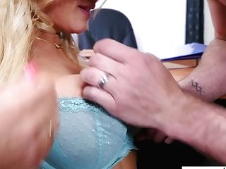 Awesome Big Jugged Blonde Assistant Kayla Kayden Is Fucked On The Table