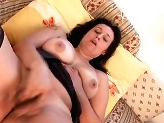 Horny Housewife Playing With Her Raw Cooch