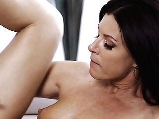 Sexy Housewife India Summer Lures Dude To Be Fucked Sideways By Exhilarated Stud