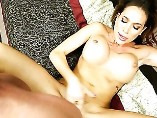 Everyone Knows Jaclyn Taylor As An Elegant Lady But She Is A Total Bang-out Weirdo