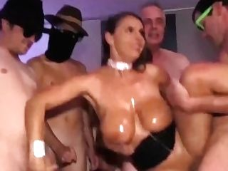 Big-boobed Mummy Sexy Susi Extreme Banged