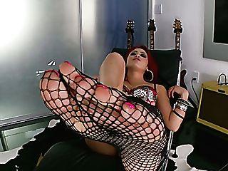 Sexy Chick Mia Lelani Takes Off Fishnet Pantyhose