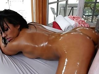 Fucking Hot Cougar Priya Price Is Having Spunky Romp In The Rubdown Salon