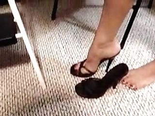 Vanessa Jizm Covered Feet