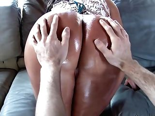 Colombian Queen With A Large Round Bum