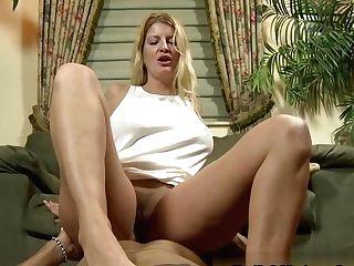 Big Tit Mummy Robbie Needs Foot Smacking
