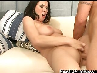 Expressively Hot Rayveness Gets Her Cunt Drilled Missionary