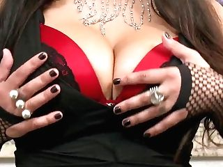 Dangerous Super-bitch Nikita Denise Introduces Her Labia For Modest Lady James Deen